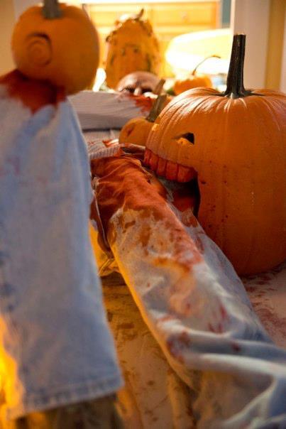 halloween chomping pumpkin