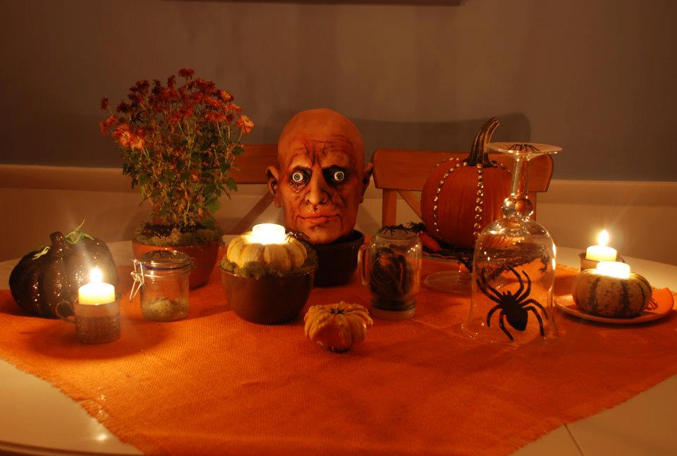 halloween kitchen table setting