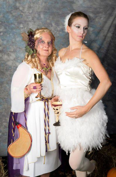 Halloween Wine Godess & Swan