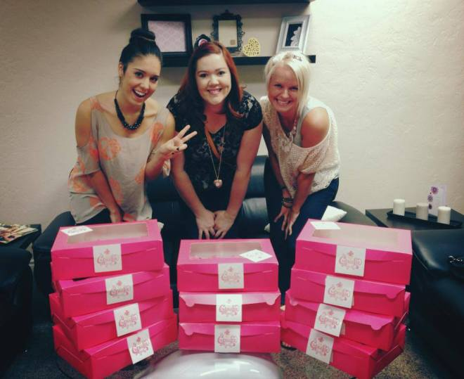 cupcake girls with pink boxes