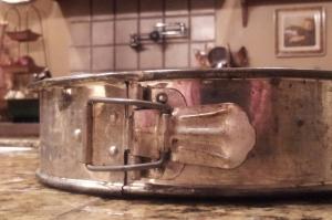 021014 springform pan buckle