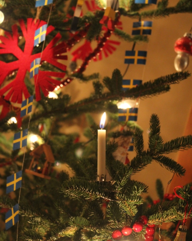 My Swedish Christmas House Tour – Come On In!
